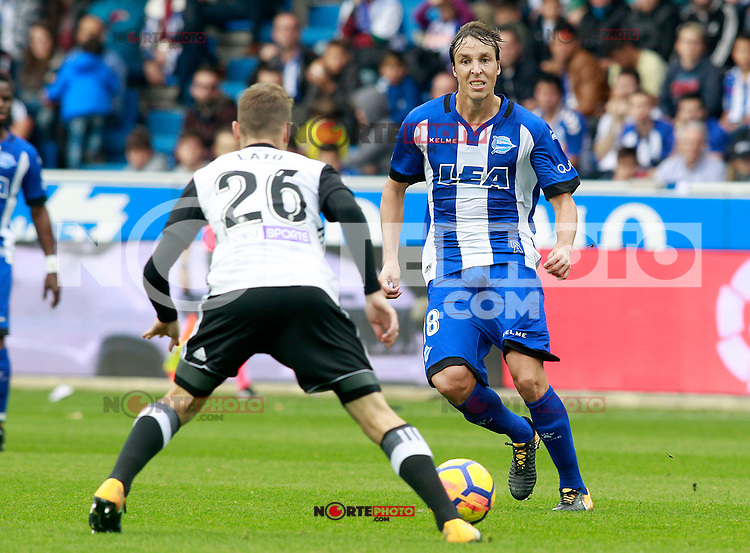 Deportivo Alaves' Tomas Pina (r) and Valencia CF's Toni Lato during La Liga match. October 28,2017. (ALTERPHOTOS/Acero) /NortePhoto.com