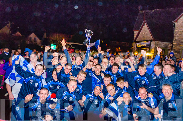 Hundreds turned out in Kenmare to welcome home the victorious Templenoe squad, the newly crowned All-Ireland Junior Club Football Champions.