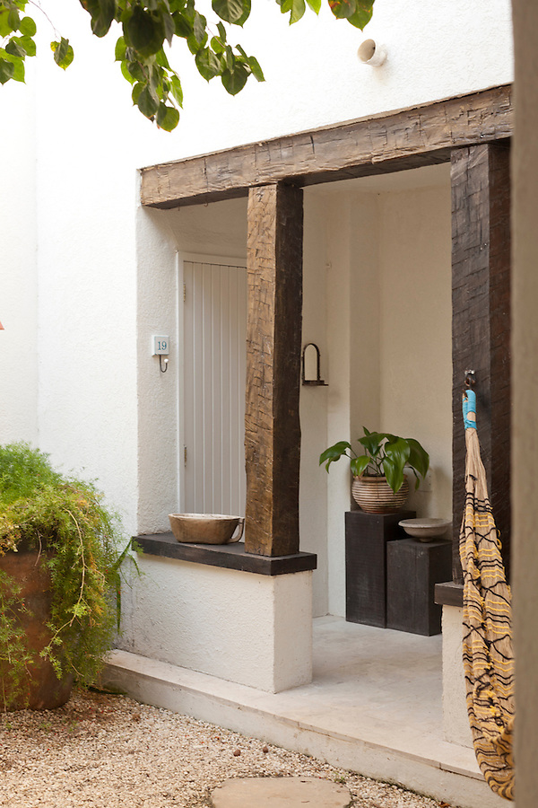 Rustic entrance for a room at Casa Brancas Boutique Hotel and Spa.