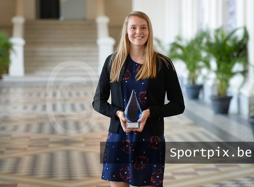 20170604 – OOSTENDE , BELGIUM : Best Belgian goalkeeper Lise Lichtfus pictured during the 3nd edition of the Sparkle award ceremony , Sunday 4 June 2017 , in Oostende . The Sparkle  is an award for the best female soccer player in the Belgian Superleague and 1st division during the season 2016-2017 comparable to the Golden Shoe or Boot / Gouden Schoen / Soulier D'or for Men in Belgium . PHOTO SPORTPIX.BE | DAVID CATRY