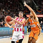 05.01.2020, ratiopharm arena, Neu-Ulm, GER, BBL, ratiopharm ulm vs Telekom Baskets Bonn, <br /> im Bild Anthony DiLeo (Bonn, #11), Grant Jerrett (Ulm, #11)<br />  <br /> Foto © nordphoto / Hafner