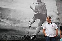 ATENÇÃO EDITOR:FOTO EMBARGADA PARA VEÍCULOS INTERNACIONAIS SÃO PAULO,SP,01 FEVEREIRO 2013 - TREINO CORINTHIANS -O e jogador Neto recebeu uma homemagem  no  muro do CT Joaquim Grava, no Parque Ecologico do Tiete, zona leste de Sao Paulo, na tarde desta sexta . FOTO ALE VIANNA - BRAZIL FOTO PRESS