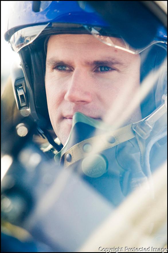 -2008-Salon de Provence- Capitaine Benjamin Souberbielle juste avant le décollage. Patrouille de France.