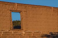 Rancho El Pe&ntilde;asco_  y pueblo Magalena de Kino<br /> &copy;Foto: LuisGutierrrez/NortePhoto ....<br /> Construccion antigua de adobe deteriarado.<br /> Rancho eco tur&iacute;stico El Pe&ntilde;asco en el pueblo Magdalena de Kino. Magdalena Sonora. <br /> &copy;Foto: LuisGutierrrez/NortePhoto