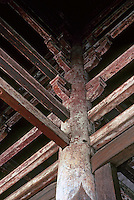 Nara: Post and Beam joints--Great South Gate. Photo '81.