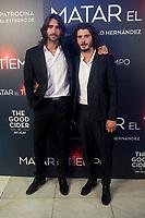 Aitor Luna y Yon Gonz&aacute;lez durante la Premiere de &quot;Matar el tiempo&quot; <br /> (ALTERPHOTOS/BorjaB.Hojas)