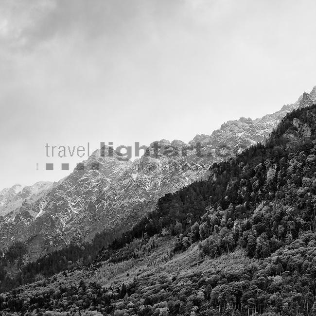 Vaduz, Rheintal, Rhine-valley, Liechtenstein. Schnee im Mai.