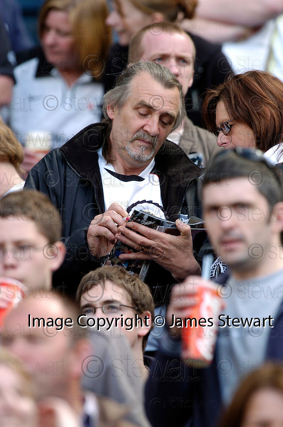 13/05/2006         Copyright Pic: James Stewart.File Name : sct_jspa28_hearts_v_gretna.BROOKS MILESON SIGNS AUTOGRAPHS....Payments to :.James Stewart Photo Agency 19 Carronlea Drive, Falkirk. FK2 8DN      Vat Reg No. 607 6932 25.Office     : +44 (0)1324 570906     .Mobile   : +44 (0)7721 416997.Fax         : +44 (0)1324 570906.E-mail  :  jim@jspa.co.uk.If you require further information then contact Jim Stewart on any of the numbers above.........