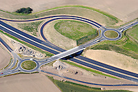 Kreisverkehr :EUROPA, DEUTSCHLAND, SCHLESWIG- HOLSTEIN  29.06.2005: Bundesautobahn A20, Kreisverkehr, Auffahrt, Autobahn, Kreisverkehr  , Baustelle, Strassenbau, Verkehr, Auto, Autos, Kfz, Verkehrssystem, Wirtschaft,  Infrastruktur, Kreis, Kreisverkehr, Bau, Baustelle, Neubau,  Strassenbau, Ausbau, auto, automobile, automobiles, Richtung, rund, Auswahl,  building, building site, car, cars, circle, circuit, city traffic, construction, cycle, dredger, dredgers, economy, fabric, germany, infra structure, infrastructure, motorcar, new, road, road building, road traffic, road works, roundabout traffic, street, street address, to dig, to excavate, traffic, transport, upgrading,  Luftaufnahme, Luftbild, Luftfotografie.c o p y r i g h t : A U F W I N D - L U F T B I L D E R . de.G e r t r u d - B a e u m e r - S t i e g  1 0 2,  .2 1 0 3 5  H a m b u r g ,  G e r m a n y.P h o n e  + 4 9  (0) 1 7 1 - 6 8 6 6 0 6 9 .E m a i l  :    H w e i 1 @ a o l . c o m.w w w . a u f w i n d - l u f t b i l d e r . d e.K o n t o : P o s t b a n k    H a m b u r g .B l z : 2 0 0 1 0 0 2 0  .K o n t o : 5 8 3 6 5 7 2 0 9.C  o p y r i g h t   n u r   f u e r   j o u r n a l i s t i s c h  Z w e c k e, .keine  P e r s o e n  l i c h k e i t s r e c h t e   v o r  h a n d e n, .V e r o e f f e n t l i c h u n g  n u r    m i t  H o n o r a r  n a c h  MFM, N a m e n s n e n n u n g und B e l e g e x e m p l a r !...