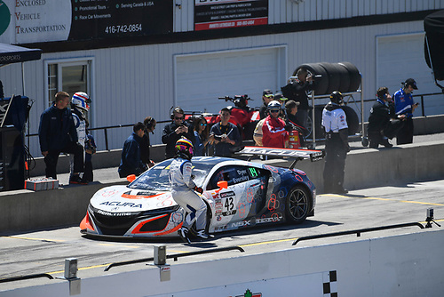 Pirelli World Challenge<br /> Victoria Day SpeedFest Weekend<br /> Canadian Tire Motorsport Park, Mosport, ON CAN Saturday 20 May 2017<br /> Ryan Eversley/ Tom Dyer pit stop<br /> World Copyright: Richard Dole/LAT Images<br /> ref: Digital Image RD_CTMP_PWC17089