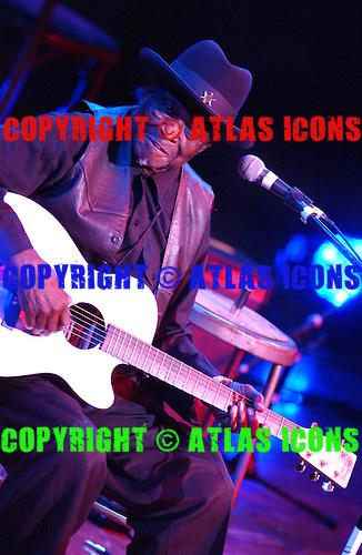 "?Honeyboy? Edwards;  ""Blues Express - Legends of The Blues"".Photo Credit; Eddie Malluk / Atlas Icons"