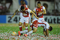 BUENOS AIRES - ARGENTINA - 02-12-2015: Jose San Roman  (Cent.) jugador de Huracan de Argentina de disputa el balon con Luis Seijas (Izq.) y Jeison Gordillo (Der.) jugadores de Independiente Santa Fe de Colombia durante partido de ida por la Final, de la Copa Suramericana entre Huracan de Argentina y el Independiente Santa Fe de Colombia en el estadio Tomas A Duco, de la ciudad de Buenos Aires.  / Jose San Roman (C) player of Huracan of Argentina vies for the ball con Luis Seijas (L) and Jeison Gordillo (R) players of Independiente Santa Fe of Colombia during a match for the first leg for the final, between Huracan of Argentina and Independiente Santa Fe of Colombia for the Copa Suramericana in the Tomas A Duco stadium, in Buenos Aires city. Photo: Ignacio Izaguirre / Photogamma / VizzorImage.