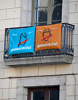 Signs on a building near the Palau de la Generalitat de Catalunya that advocates for Catalonian independence from Spain on Tuesday, November 7, 2017.  <br /> Credit: Ron Sachs / CNP /MediaPunch
