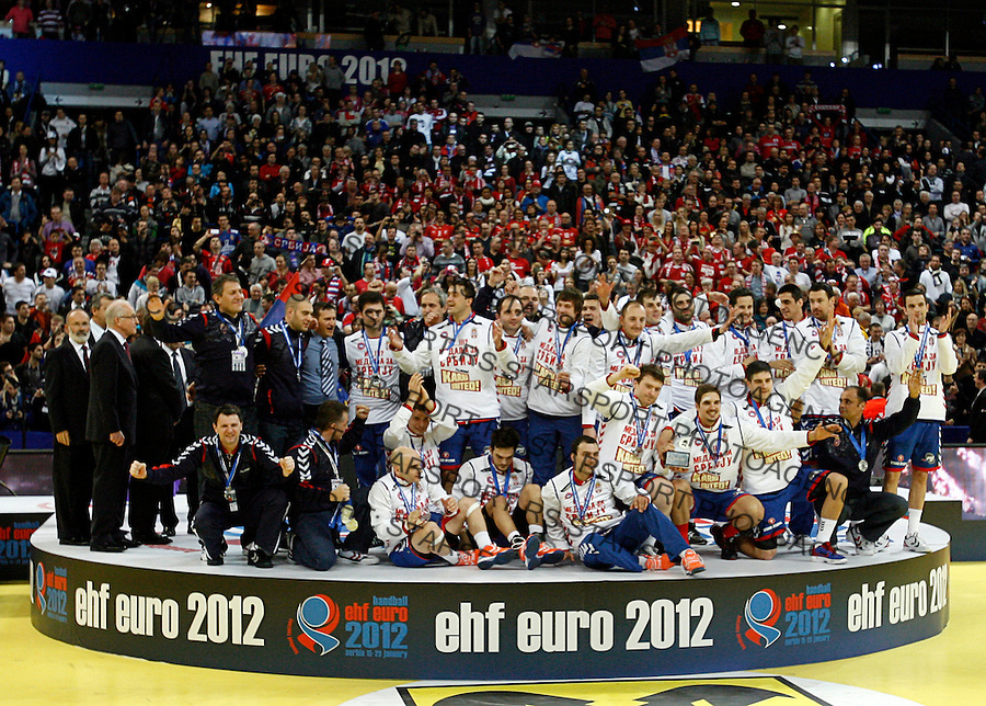 Second placed Serbian national handball team players celebrate after men`s EHF EURO 2012 handball championship  in Belgrade, Serbia, Sunday, January 29, 2011.  (photo: Pedja Milosavljevic / thepedja@gmail.com / +381641260959)