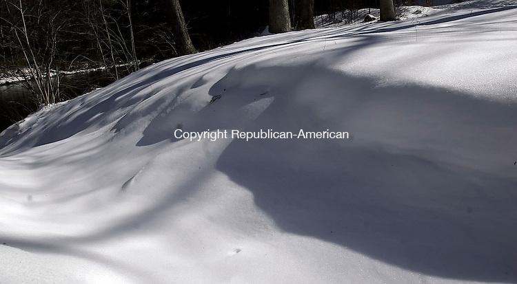 WASHINGTON, CT15 February 2006-021506TK07  Snow drifts near Shepaug River in Washington.   Tom Kabelka / Republican-American (for countrylife snowscenes)CQ