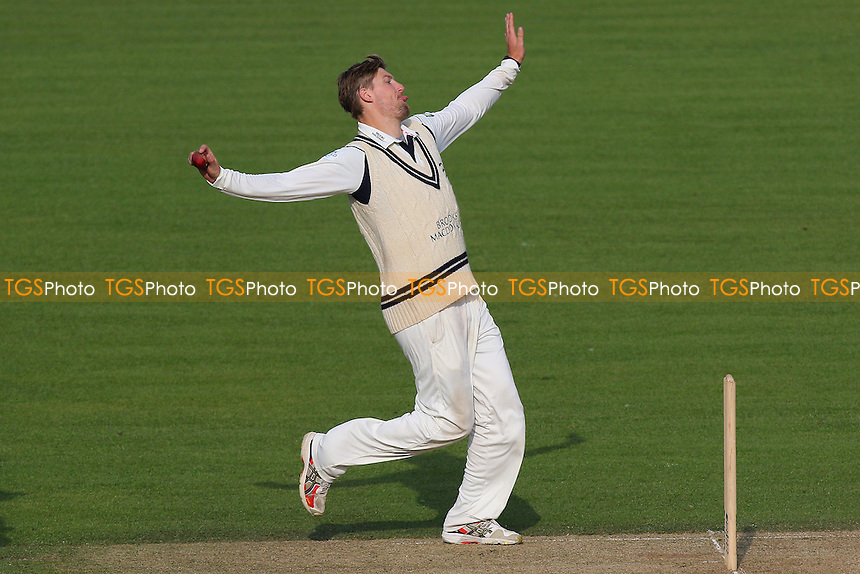 Ollie Rayner in bowling action for Middlesex during Surrey CCC vs Middlesex CCC, Friendly Match Cricket at the Kia Oval on 22nd March 2016