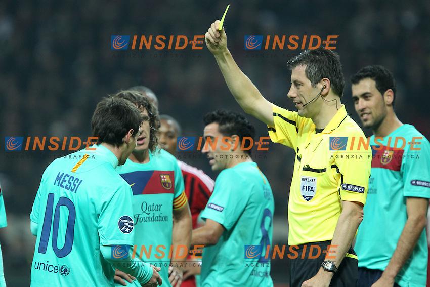 """Ammonizione Lionel Messi Barcellona Referee Stark..Milano 23/11/2011 Stadio """"S.Siro""""..Football / Calcio Champions League 2011/2012..Milan vs Barcellona..Foto Paolo Nucci Insidefoto"""