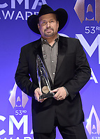 NASHVILLE, TN - NOVEMBER 13:  Garth Brooks in the press room at the 53rd Annual CMA Awards at the Bridgestone Arena on November 13, 2019 in Nashville, Tennessee. (Photo by Scott Kirkland/PictureGroup)