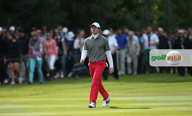 Rory McIlroy (NIR) marches down the last one shot ahead of the field during the Final Round of the BMW PGA Championship from Wentworth Golf Club, Virginia Waters, London, UK. Picture:  David Lloyd / www.golffile.ie