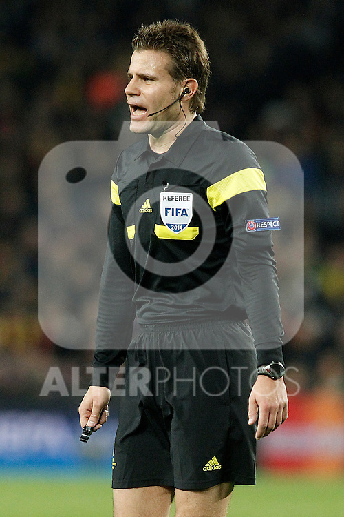 German referee Felix Brych during Champions League 2013/2014 match.April 1,2014. (ALTERPHOTOS/Acero)