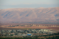 LEBANON, Deir el Ahmad, view to Beqaa valley, shia villages and the Anitlebanon mountains, behind Syria  / LIBANON Deir el Ahmad, Blick auf das Bekaa Tal, Berge des Antilibanon hintern denen Syrien liegt
