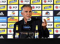 BOGOTÁ-COLOMBIA, 27-08-2019: Carlos Querioz, Director Técnico de La Selección Colombia de fútbol, gesticula durante rueda de prensa en la Sede Deportiva de la Federación Colombiana de Fútbol en Bogotá, en la que entrega la lista de los jugadores convocados para la próxima fecha FIFA en septiembre, partidos que tendrá como rivales a las selecciones de Brasil y Venezuela. / Carlos Querioz, Technical Director of The Colombian Soccer Team, gestures during a press conference at the Sports Headquarters of the Colombian Football Federation in Bogotá, where he delivers the list of players called for the next FIFA date in September, matches he will have as rivals to the teams of Brazil and Venezuela. / Photo: VizzorImage / Luis Ramírez / Staff.