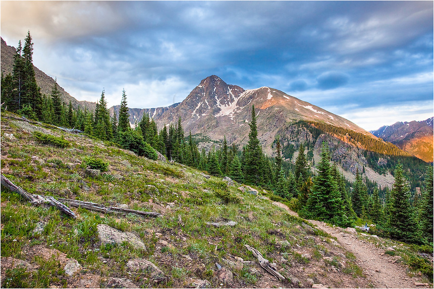 Early in the morning, shortly after sunrise, we followed the trail that leads to one of Colorado's iconic 14,000 feet peaks, the Mount of the  Holy Cross. While the hike was long, it was very rewarding to reach the summit and take in the landscape from 14,000 feet.
