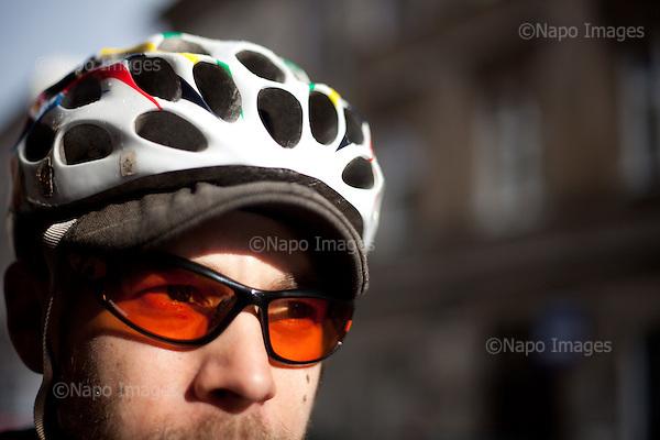 KRAKOW, POLAND, SEPTEMBER 13, 2011:.Portrait of messenger Maciej Zlomkiewicz on Krakow street..(Photo by Piotr Malecki / Napo Images) ..KRAKOW, 9/2011:.Kurier rowerowy Maciek..Fot: Piotr Malecki / Napo Images.