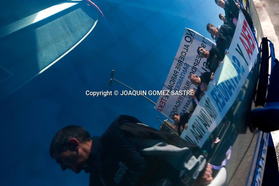 25 ENERO 2012 SANTANDER.Concentración y posterior marcha de los trabajadores de TEKA  hasta el ayuntamiento en contra del ere .foto © JOAQUIN GOMEZ SASTRE