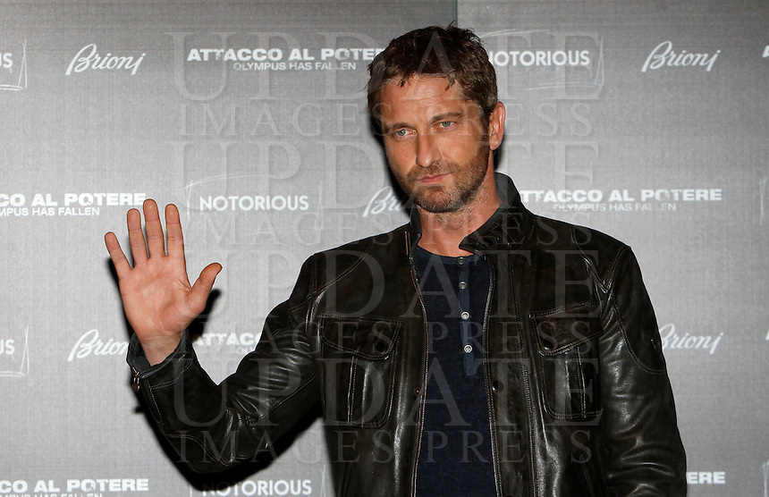 "L'attore scozzese Gerard Butler posa durante il photocall del film ""Attacco al potere"" a Roma, 5 aprile 2013..British actor Gerard Butler poses during the photocall of the movie ""Olympus has fallen"" in Rome, 5 April 2013..UPDATE IMAGES PRESS/Isabella Bonotto."