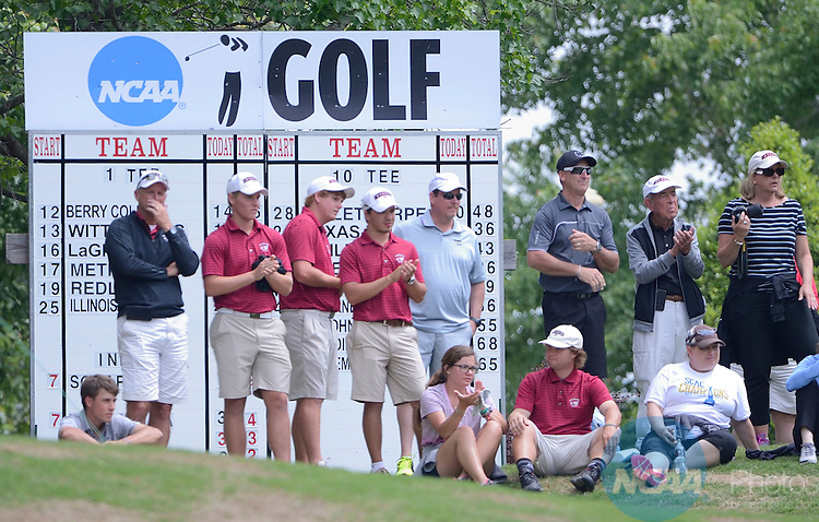 15 MAY 2015:  Members of the Schreiner team applaud play at the No. 9 green during the Division III Men's Golf Championship held at the Grandover Resort in Greensboro, NC.  Kelby Scharmann, of  La Verne shot a -9 to win the individual national title.  Bruce Chapman/ NCAA Photos