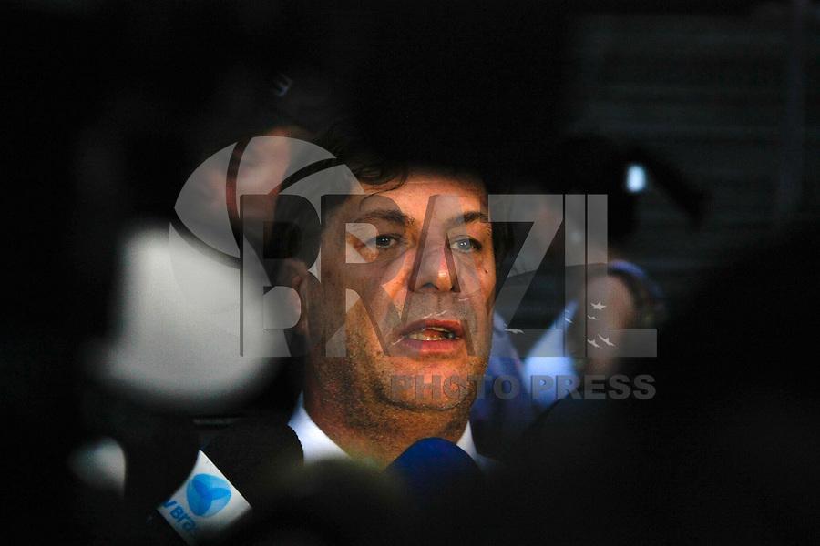 SANTO ANDRE, SP, 15 DE FEVEREIRO 2012 -  3º DIA DE JULGAMENTO DO CASO LINDEMBERG - O caso Lindemberg terá mais um dia de audiencia. Viaturas da policia saiem escotando Lindemberg para presidio.   (FOTOS: AMAURI NEHN/BRAZIL PHOTO PRESS)