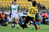 Hurricanes&rsquo; Vince Aso and Highlanders&rsquo; Marty Banks in action during the Super Rugby - Hurricanes v Highlanders at Westpac Stadium, Wellington, New Zealand on Friday 8 March 2019. <br /> Photo by Masanori Udagawa. <br /> www.photowellington.photoshelter.com