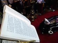 RIO DE JANEIRO 10 DE JULHO 2012 - VELORIO DO CARDEAL DON EUGENIO SALES, ARCEBISPO EMERITO DO RIO DE JANEIRO.<br /> Nesta terça feira (10), foi realizado o cortejo da chegada do corpo e velório do Cardela Don Eugenio Sales, Arcepispo Emérito da Arquidiocese do Rio de janeiro-RJ.<br /> O velório esta acontecendo na Catedral sao Sebastiao, situado no Centro da cidade do Rio de Janeiro. <br /> Com a presença do governador do Rio sergio Cabral, do prefeito Eduardo Paes e do Arcebispo atual, Don Elano tempesta.<br /> FOTO RONALDO BRANDAO/BRAZIL PHOTO PRESS