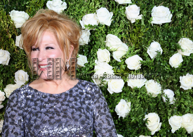 NEW YORK, NY - JUNE 11:  Bette Midler attends the 71st Annual Tony Awards at Radio City Music Hall on June 11, 2017 in New York City.  (Photo by Walter McBride/WireImage)