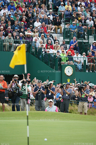 Rory McIlroy (NIR), JULY 20, 2014 - Golf : Rory McIlroy of Northern Ireland watches his shot on the 18th hole during the final round of the 143rd British Open Championship at Royal Liverpool Golf Club in Hoylake, England. (Photo by Koji Aoki/AFLO SPORT) [0008]