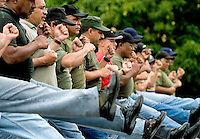 Miembros de la Reserva Nacional de Ejercito de Venezuela durante un desfile militar en Fuerte Tiuna, en Caracas. La reserva en la mayoria de los casos consiste en civiles que reciben entrenamiento militar, aunque  solo algunos de ellos tienen armas.*Members of the Venezuelan Army National Reserve  during a military parade in Fuerte Tiuna, Caracas. The reserve of the army is composed by civilians with some military trainning, even if just some  of them has no weapons.