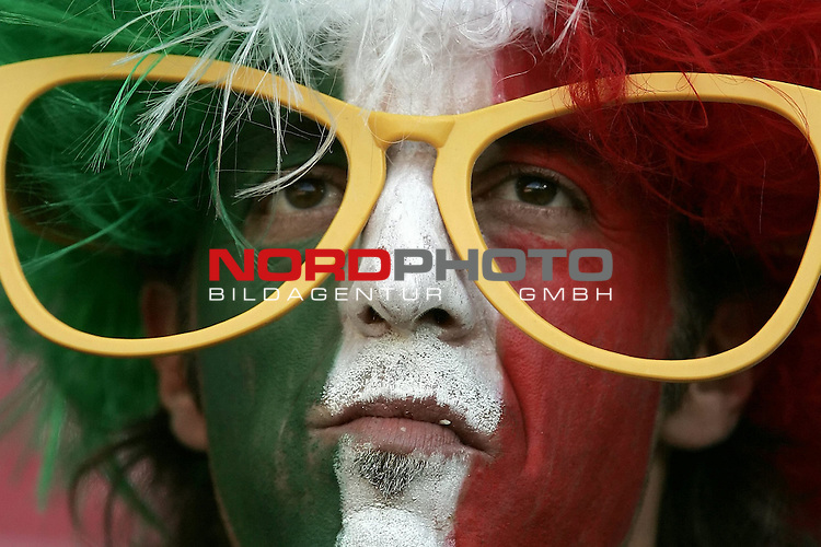 FIFA WM 2006 -  Gruppe E Vorrunde ( Group E )<br /> Play   #25 (17-Jun) - Italien - USA 1:1<br /> <br /> Fan Feature Italien<br /> <br /> Foto &copy; nordphoto