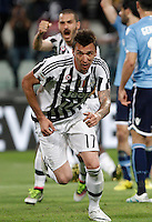 Calcio, Serie A: Juventus vs Lazio. Torino, Juventus Stadium, 20 aprile 2016.<br /> Juventus&rsquo; Mario Mandzukic celebrates after scoring during the Italian Serie A football match between Juventus and Lazio at Turin's Juventus Stadium, 20 April 2016.<br /> UPDATE IMAGES PRESS/Isabella Bonotto