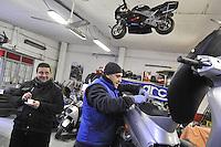 - Milano, gli artigiani del quartiere Ticinese Barona; l'officina Moto Watt, riparatori di motocicli<br /> <br /> - Milan, the artisans of Ticinese Barona district;  Moto Watt workshop, repair of motorcycles