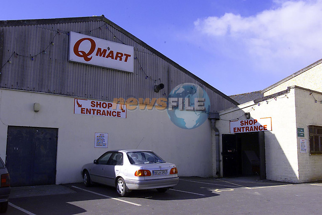 Q mart.Pic: Newsfile..Camera:   DCS620C.Serial #: K620C-01974.Width:    1728.Height:   1152.Date:  16/3/00.Time:   12:29:01.DCS6XX Image.FW Ver:   3.0.9.TIFF Image.Look:   Product.Antialiasing Filter:  Removed.Tagged.Counter:    [2662].Shutter:  1/50.Aperture:  f6.3.ISO Speed:  400.Max Aperture:  f2.8.Min Aperture:  f22.Focal Length:  17.Exposure Mode:  Manual (M).Meter Mode:  Color Matrix.Drive Mode:  Continuous High (CH).Focus Mode:  Continuous (AF-C).Focus Point:  Center.Flash Mode:  Normal Sync.Compensation:  +0.0.Flash Compensation:  +0.0.Self Timer Time:  5s.White balance: Custom.Time: 12:29:01.485.