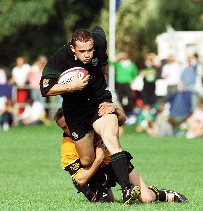 Photo: Ken Brown.19/9/98  London Irish v Wasps.Conor O'Shea