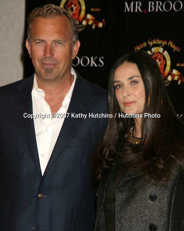 "Kevin Costner, Demi Moore.photocall for ""Mr. Brooks"".Showest 2007.Paris Hotel & Casino.Las Vegas, NV.March 13, 2007.©2007 Kathy Hutchins / Hutchins Photo...."
