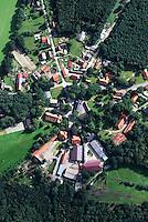 Rundling: EUROPA, DEUTSCHLAND,  NIEDERSACHSEN(EUROPE, GERMANY), 29.08.2007: Rundling,  Dorf, Haus, Wendland, Niedersachsen, Landwirtschaft, Tiefebene, Wohnen, Bebauung, Leben, Bauernhaus, Wohnhaus, normal, Struktur, ordentlich, Ordnung, typisch, deutsch, Aufwind-Luftbilder, Luftbild, Luftansicht, .c o p y r i g h t : A U F W I N D - L U F T B I L D E R . de.G e r t r u d - B a e u m e r - S t i e g 1 0 2, .2 1 0 3 5 H a m b u r g , G e r m a n y.P h o n e + 4 9 (0) 1 7 1 - 6 8 6 6 0 6 9 .E m a i l H w e i 1 @ a o l . c o m.w w w . a u f w i n d - l u f t b i l d e r . d e.K o n t o : P o s t b a n k H a m b u r g .B l z : 2 0 0 1 0 0 2 0 .K o n t o : 5 8 3 6 5 7 2 0 9.C o p y r i g h t n u r f u e r j o u r n a l i s t i s c h Z w e c k e, keine P e r s o e n l i c h ke i t s r e c h t e v o r h a n d e n, V e r o e f f e n t l i c h u n g  n u r  m i t  H o n o r a r  n a c h M F M, N a m e n s n e n n u n g  u n d B e l e g e x e m p l a r !.