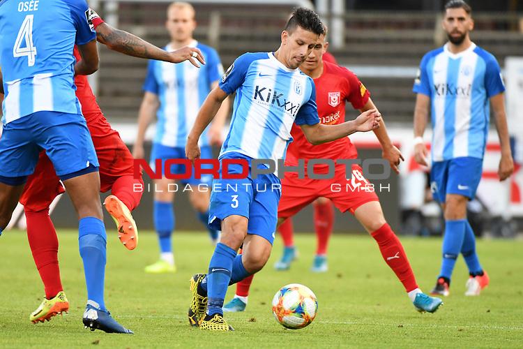 12.06.2020, Hänsch-Arena, Meppen, GER, 3.FBL, SV Meppen vs. Hallescher FC, <br /> <br /> im Bild<br /> Janik Jesgarzewski (SV Meppen, 3) am Ball.<br /> <br /> <br /> DFL REGULATIONS PROHIBIT ANY USE OF PHOTOGRAPHS AS IMAGE SEQUENCES AND/OR QUASI-VIDEO<br /> <br /> Foto © nordphoto / Paetzel