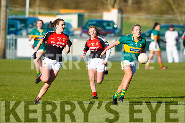 Kerrys Deirdre Kearney pushes up field in possession in the Kerry v Mayo game in the Lidl Ladies National football league game in Brosna on Sunday last.