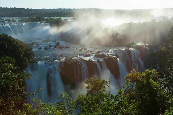 Foz do Iguacu_PR, 28 de agosto de 2012<br /> <br /> Producao de banco de imagens <br /> <br /> Imagens das cataratas do Iguacu<br />  <br /> Foto: JOAO MARCOS ROSA / NITRO