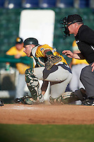 Siena Saints catcher Patrick Ortland (27) checks the runner after blocking a pitch in the dirt during a game against the Pittsburgh Panthers on February 24, 2017 at Historic Dodgertown in Vero Beach, Florida.  Pittsburgh defeated Siena 8-2.  (Mike Janes/Four Seam Images)