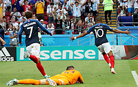 KAZAN - RUSIA, 30-06-2018: Kylian MBAPPE (#10) jugador de Francia celebra después de anotar el segundo gol a Argentina durante partido de octavos de final por la Copa Mundial de la FIFA Rusia 2018 jugado en el estadio Kazan Arena en Kazán, Rusia. / Kylian MBAPPE (#10) player of France celebrates after scoring the second goal to Argentina during match of the round of 16 for the FIFA World Cup Russia 2018 played at Kazan Arena stadium in Kazan, Russia. Photo: VizzorImage / Julian Medina / Cont