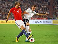 Julian Draxler (Deutschland, Germany) gegen Sander Berge (Norwegen, Norway) - 04.09.2017: Deutschland vs. Norwegen, Mercedes Benz Arena Stuttgart